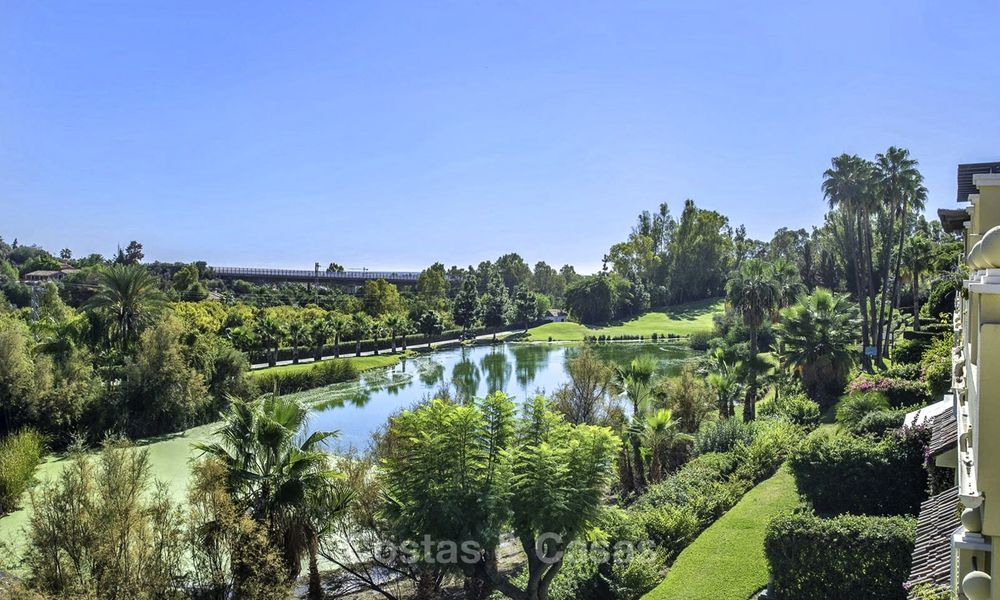 Stylish and bright, recently refurbished penthouse apartment for sale, frontline golf, Benahavis - Marbella 18681