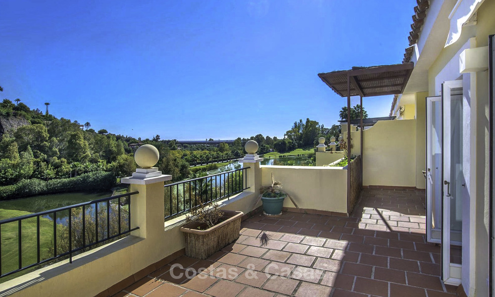 Stylish and bright, recently refurbished penthouse apartment for sale, frontline golf, Benahavis - Marbella 18686