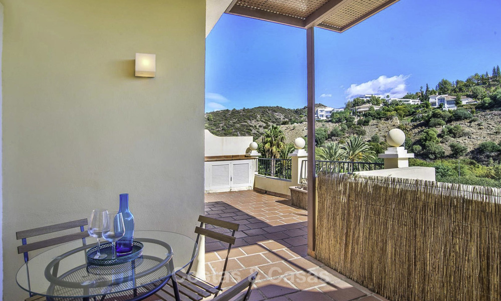 Stylish and bright, recently refurbished penthouse apartment for sale, frontline golf, Benahavis - Marbella 18691