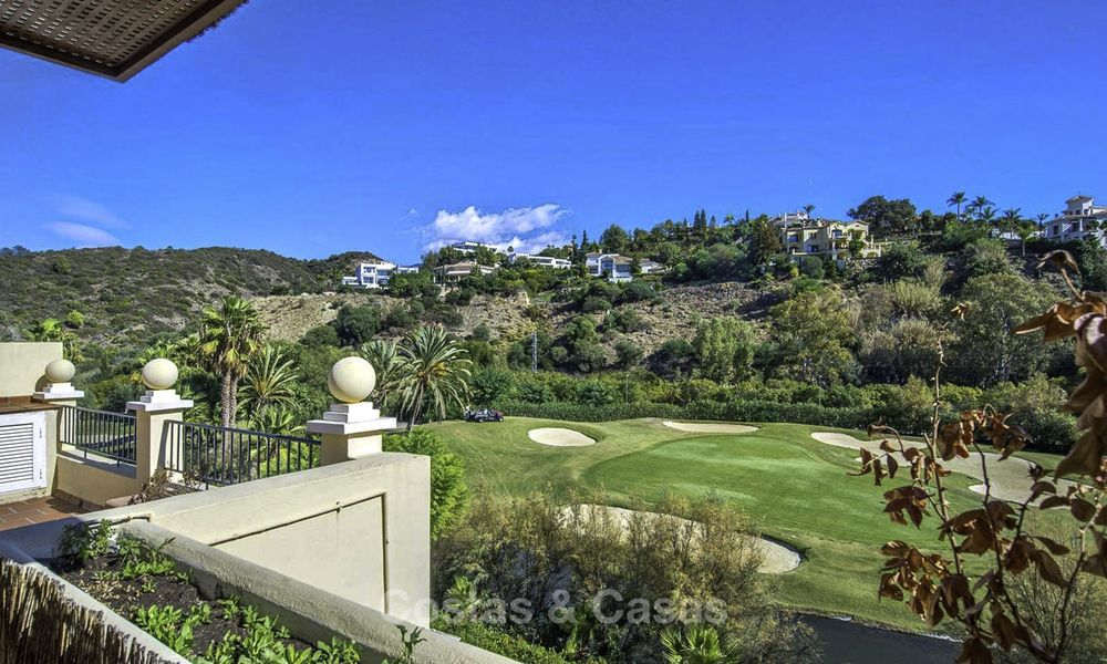 Stylish and bright, recently refurbished penthouse apartment for sale, frontline golf, Benahavis - Marbella 18692