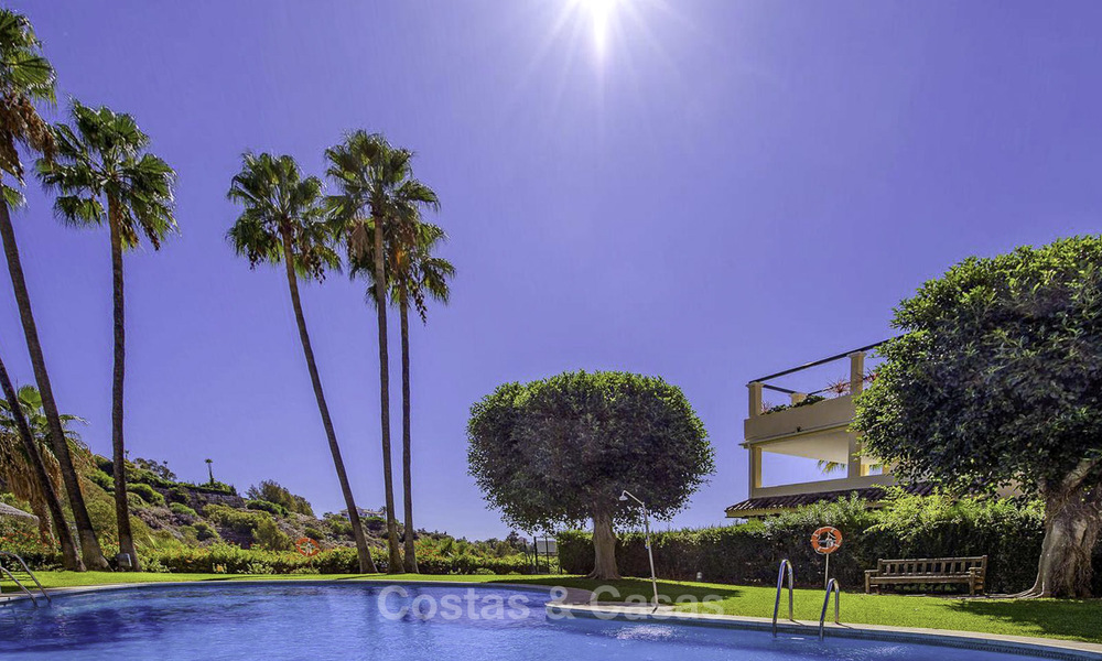Stylish and bright, recently refurbished penthouse apartment for sale, frontline golf, Benahavis - Marbella 18693