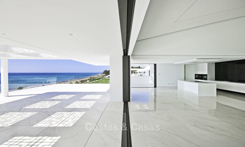 Exclusive new modern design beachfront penthouse for sale, move in ready, on the New Golden Mile, Marbella - Estepona 18855