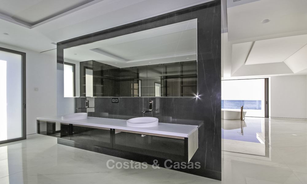 Exclusive new modern design beachfront penthouse for sale, move in ready, on the New Golden Mile, Marbella - Estepona 18861