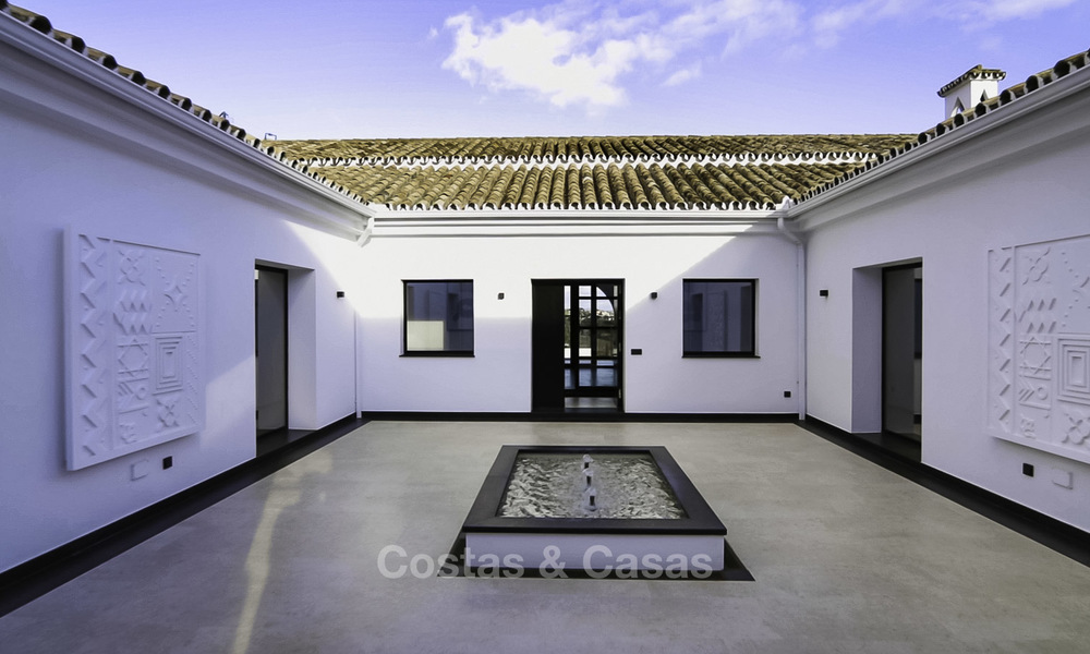 Completely renovated rustic villa for sale on the New Golden Mile between Marbella and Estepona 19107