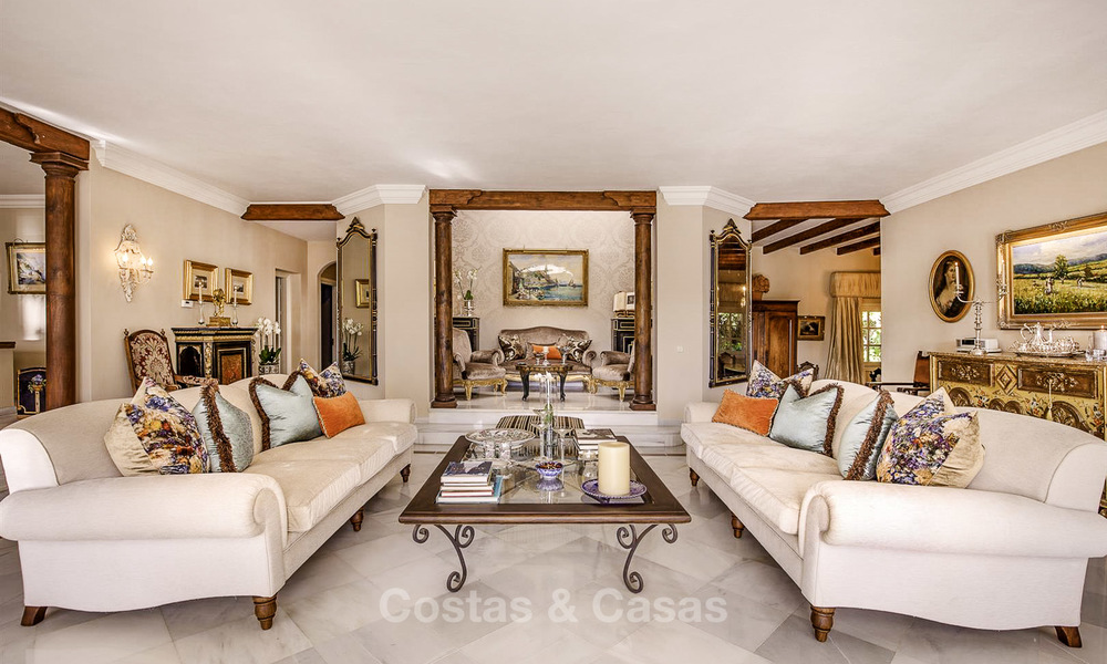 Charming Italian rustic villa on a double plot for sale, completely renovated, Marbella - Estepona 19286