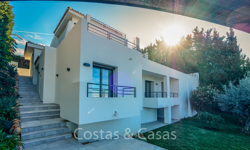 Recently completely renovated traditional villa with sea and mountain views for sale, Nueva Andalucia, Marbella 19494