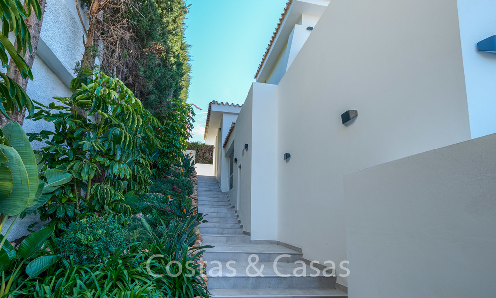 Recently completely renovated traditional villa with sea and mountain views for sale, Nueva Andalucia, Marbella 19495