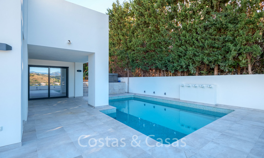Recently completely renovated traditional villa with sea and mountain views for sale, Nueva Andalucia, Marbella 19501