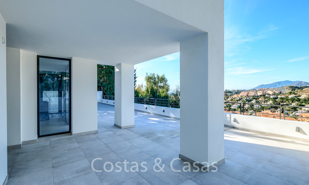 Recently completely renovated traditional villa with sea and mountain views for sale, Nueva Andalucia, Marbella 19504