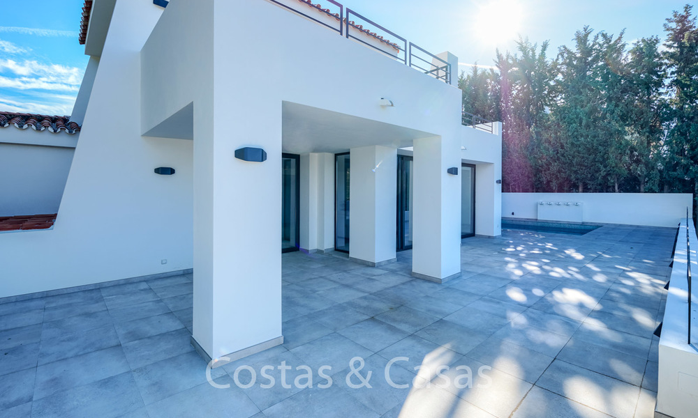 Recently completely renovated traditional villa with sea and mountain views for sale, Nueva Andalucia, Marbella 19505