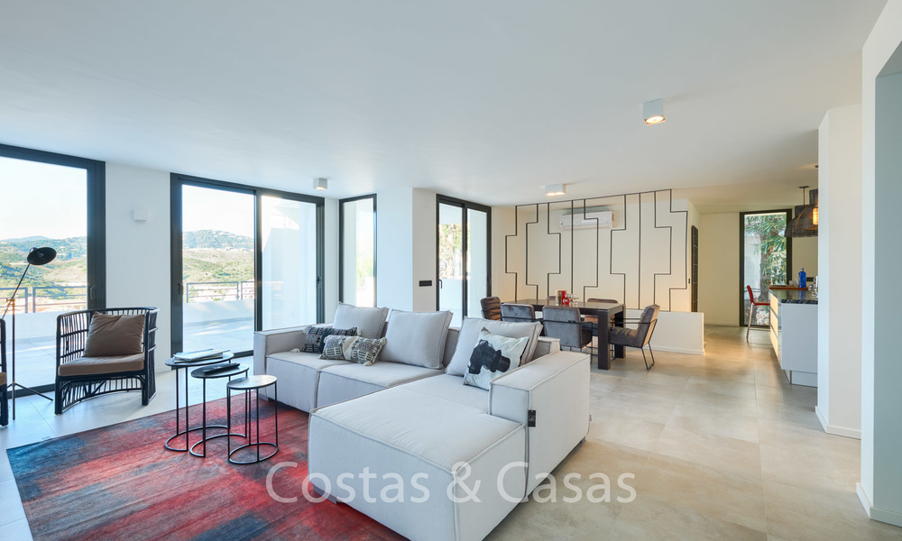 Recently completely renovated traditional villa with sea and mountain views for sale, Nueva Andalucia, Marbella 19516