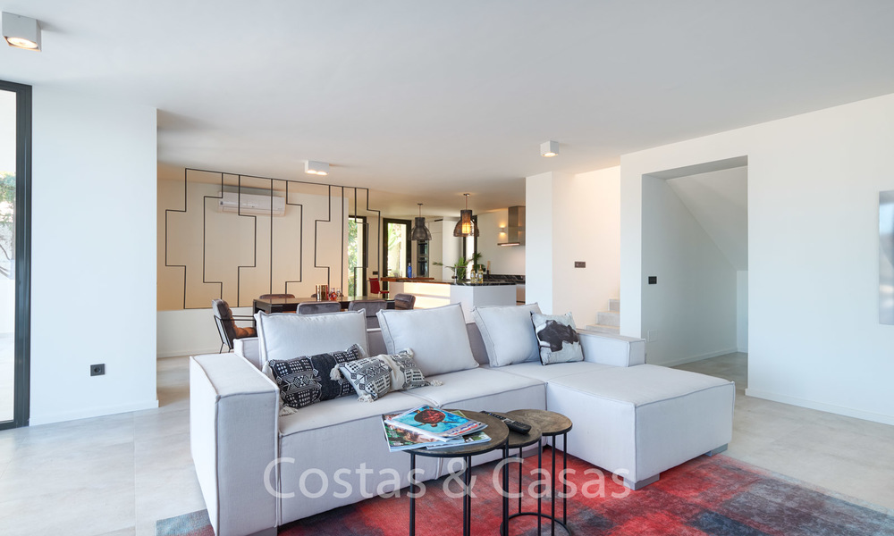 Recently completely renovated traditional villa with sea and mountain views for sale, Nueva Andalucia, Marbella 19517