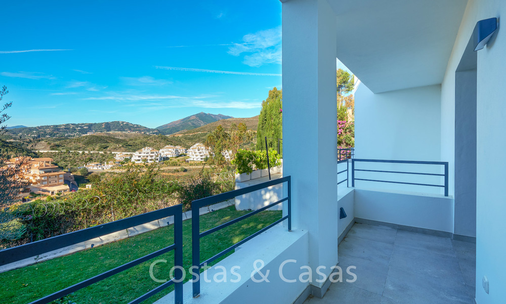 Recently completely renovated traditional villa with sea and mountain views for sale, Nueva Andalucia, Marbella 19527