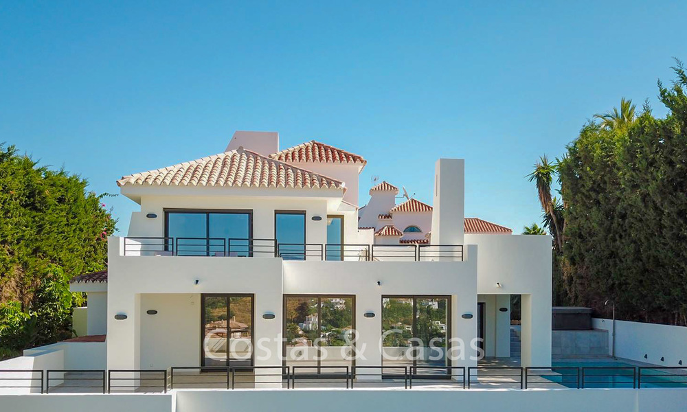 Recently completely renovated traditional villa with sea and mountain views for sale, Nueva Andalucia, Marbella 19540