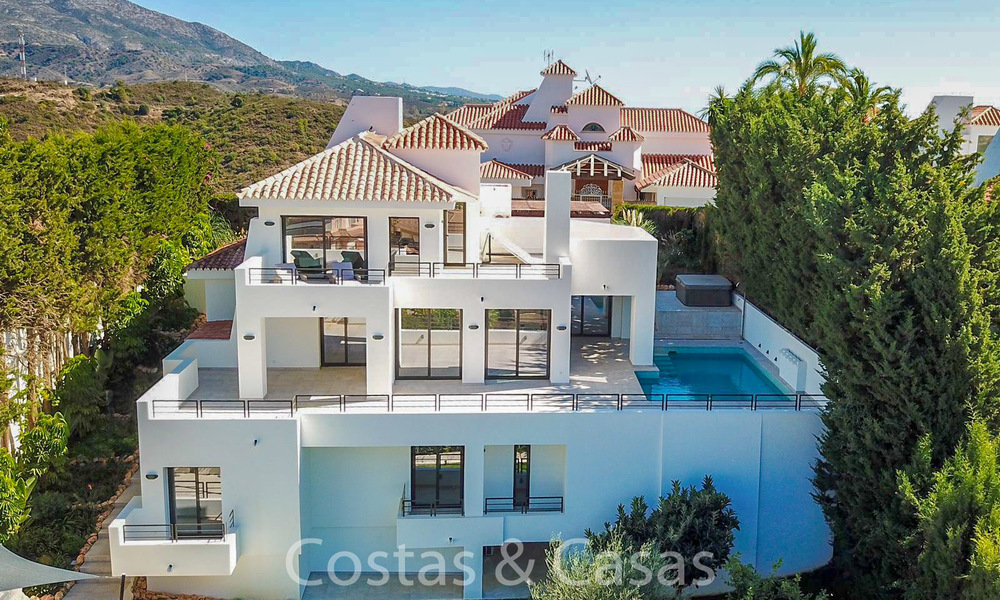 Recently completely renovated traditional villa with sea and mountain views for sale, Nueva Andalucia, Marbella 19544