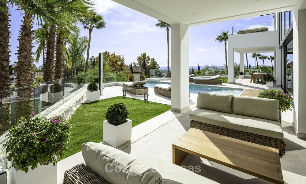 Brand new, move-in-ready contemporary luxury villa with stunning sea views for sale in a sought-after golf club, Benahavis - Marbella 19555