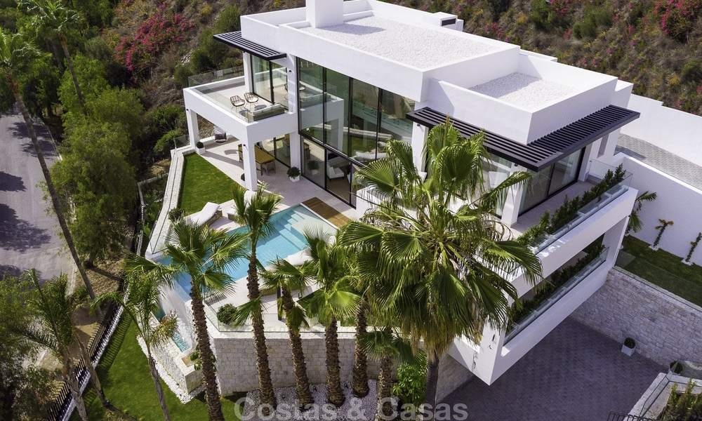 Brand new, move-in-ready contemporary luxury villa with stunning sea views for sale in a sought-after golf club, Benahavis - Marbella 19558