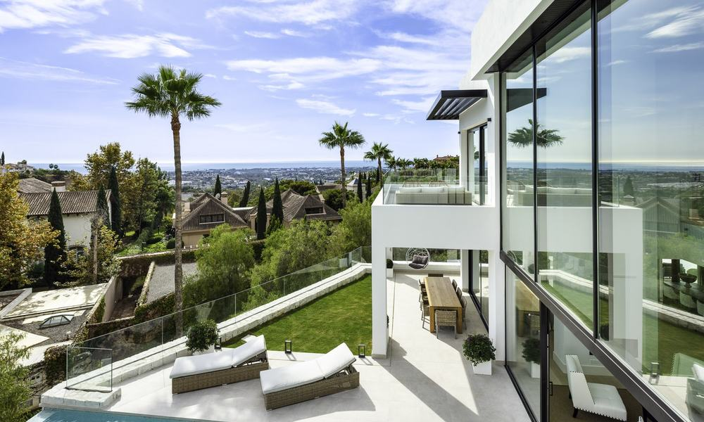 Brand new, move-in-ready contemporary luxury villa with stunning sea views for sale in a sought-after golf club, Benahavis - Marbella 19559