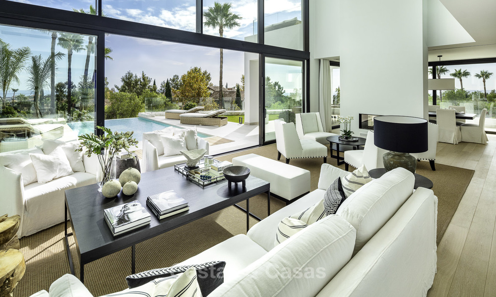 Brand new, move-in-ready contemporary luxury villa with stunning sea views for sale in a sought-after golf club, Benahavis - Marbella 19560