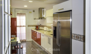 Attractive apartment for sale in a looked after beachfront complex, East Marbella 19579