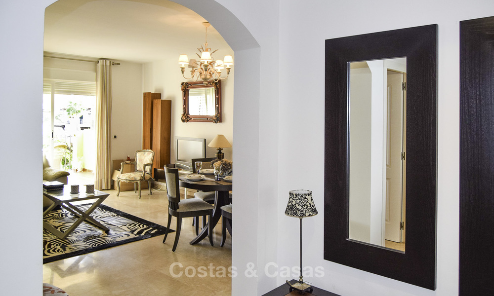 Attractive apartment for sale in a looked after beachfront complex, East Marbella 19590