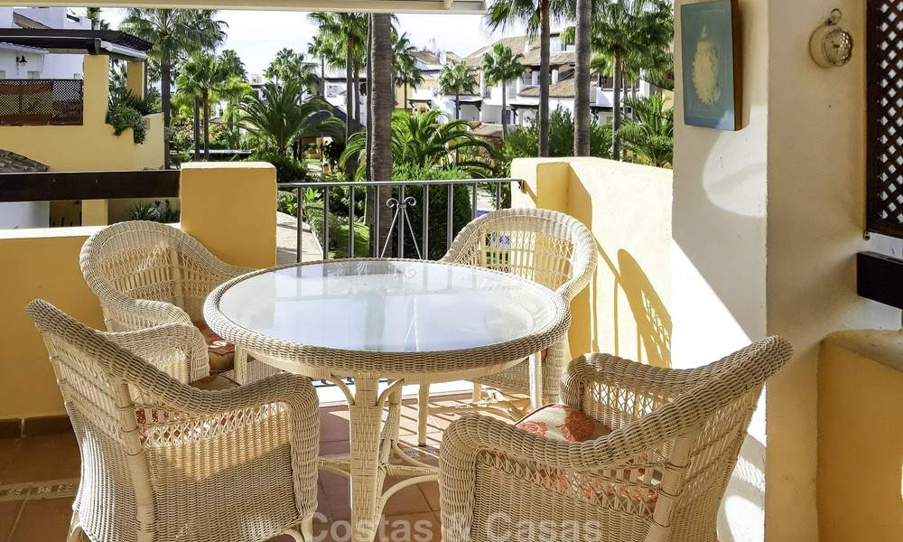 Attractive apartment for sale in a looked after beachfront complex, East Marbella 19597