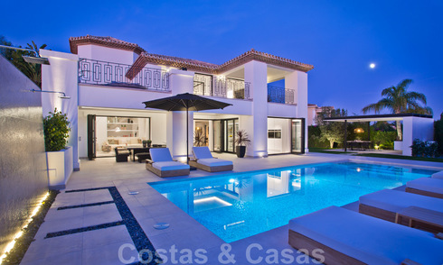Delightful, completely renovated luxury villa with golf and sea views for sale in Nueva Andalucía, Marbella 19859