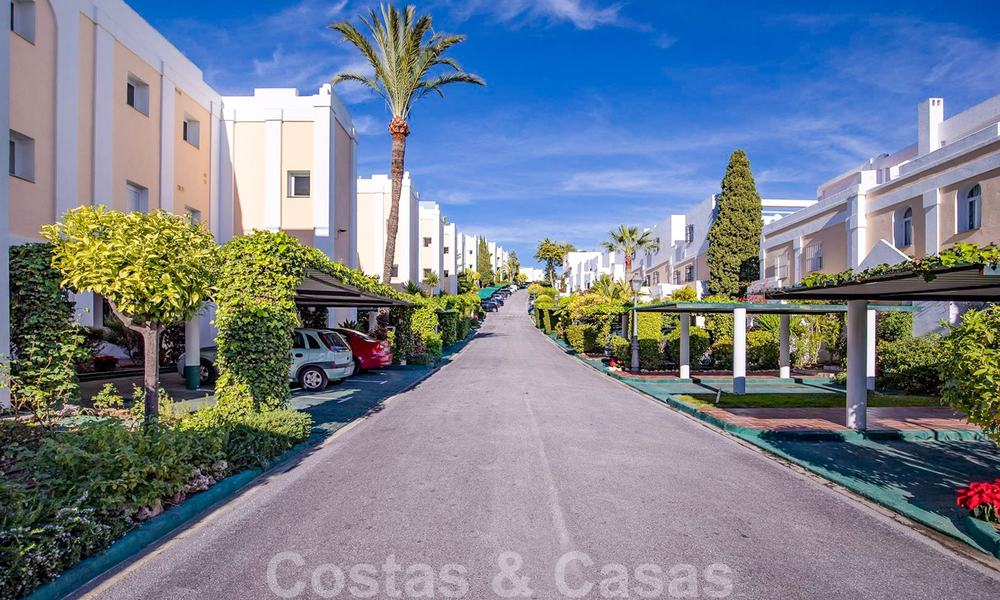 Attractive semi detached townhouse for sale, frontline on a prestigious golf course, Benahavis - Marbella 19911