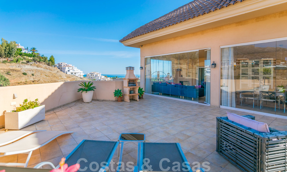 Rare, very stunning penthouse apartment with huge terrace and amazing sea views for sale in Nueva Andalucia, Marbella 20348