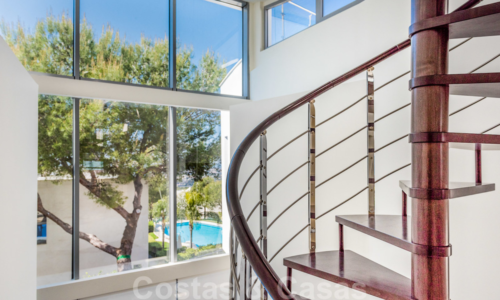 Exceptional luxury villas with sea views for sale, in an exclusive complex in the Golden Mile, Marbella 20834