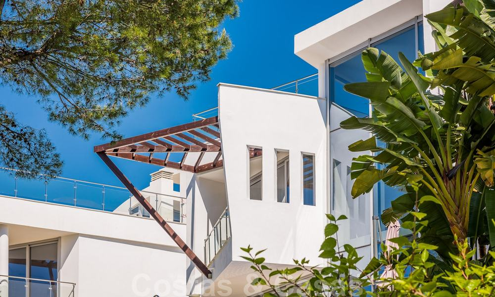 Exceptional luxury villas with sea views for sale, in an exclusive complex in the Golden Mile, Marbella 20837