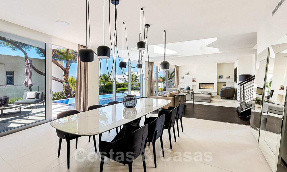 Exceptional luxury villas with sea views for sale, in an exclusive complex in the Golden Mile, Marbella 20840