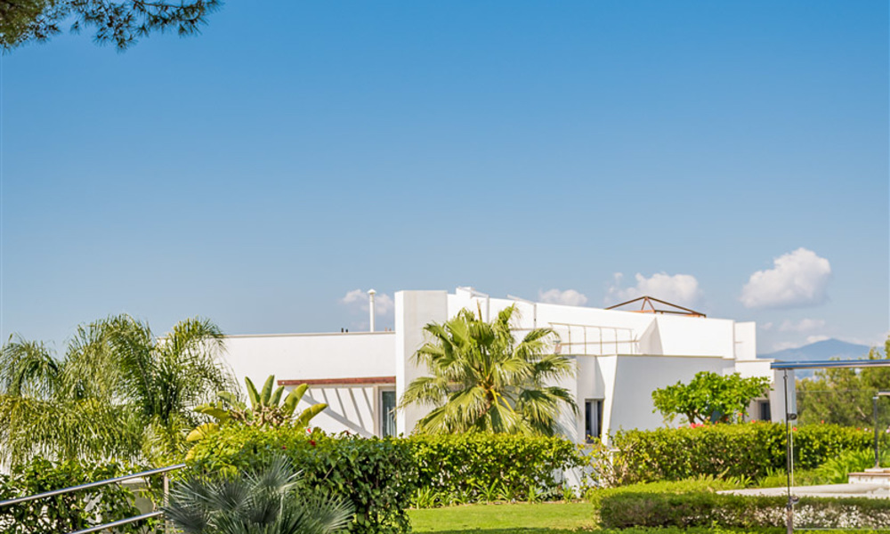 Exceptional luxury villas with sea views for sale, in an exclusive complex in the Golden Mile, Marbella 20851