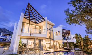 Exceptional luxury villas with sea views for sale, in an exclusive complex in the Golden Mile, Marbella 20856