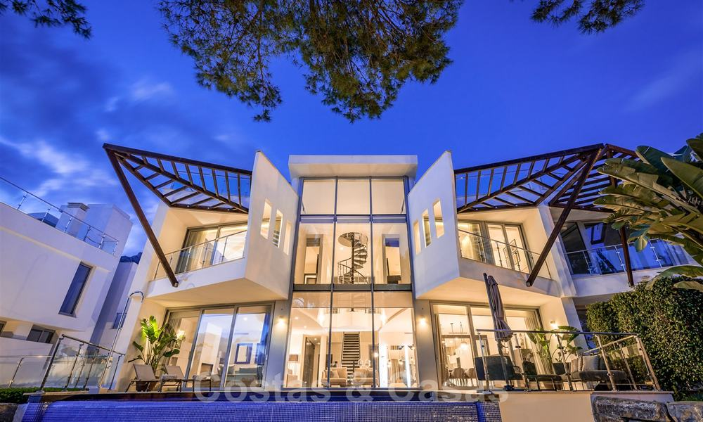 Exceptional luxury villas with sea views for sale, in an exclusive complex in the Golden Mile, Marbella 20857