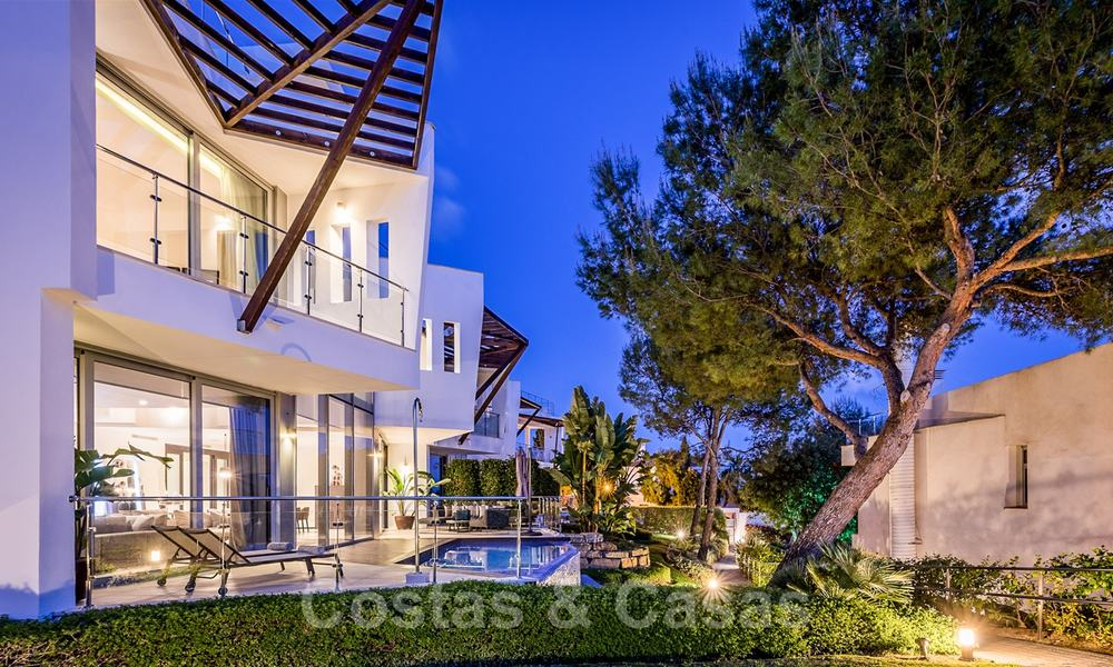 Exceptional luxury villas with sea views for sale, in an exclusive complex in the Golden Mile, Marbella 20868