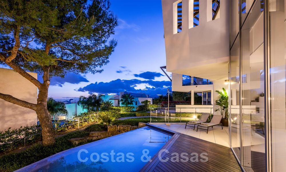 Exceptional luxury villas with sea views for sale, in an exclusive complex in the Golden Mile, Marbella 20875