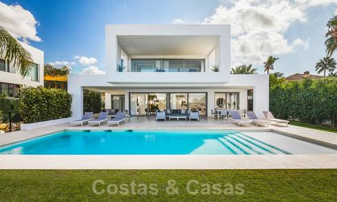 Contemporary luxury villa with lots of privacy for sale, in the Golf Valley of Nueva Andalucia, Marbella 21371