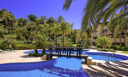 Attractive luxury penthouse for sale, priced to sell on the New Golden Mile between Marbella and Estepona 21913