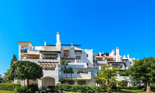 Recently renovated bright apartment for sale in a gorgeous beachfront complex, walking distance to the beach, amenities and San Pedro, Marbella 21941