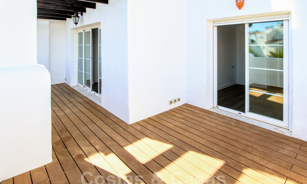 Recently renovated bright apartment for sale in a gorgeous beachfront complex, walking distance to the beach, amenities and San Pedro, Marbella 21951