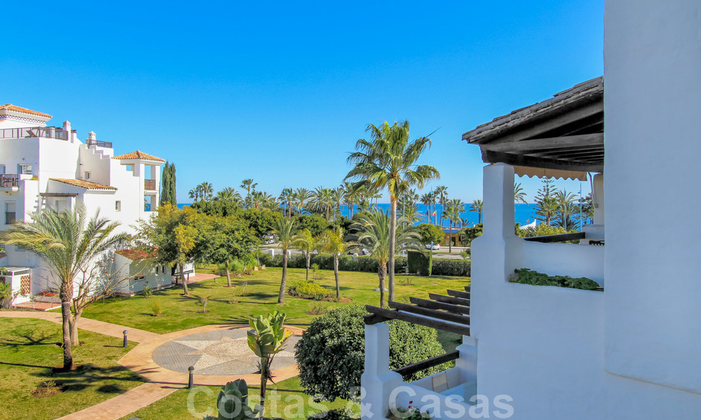 Recently renovated bright apartment for sale in a gorgeous beachfront complex, walking distance to the beach, amenities and San Pedro, Marbella 21961