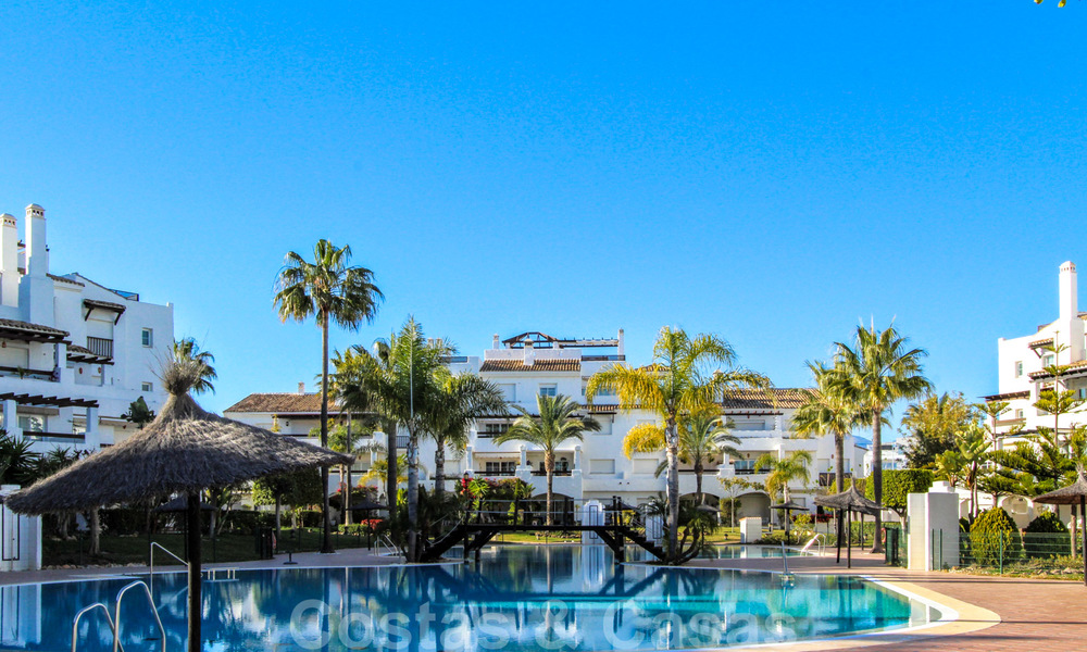 Recently renovated bright apartment for sale in a gorgeous beachfront complex, walking distance to the beach, amenities and San Pedro, Marbella 21973