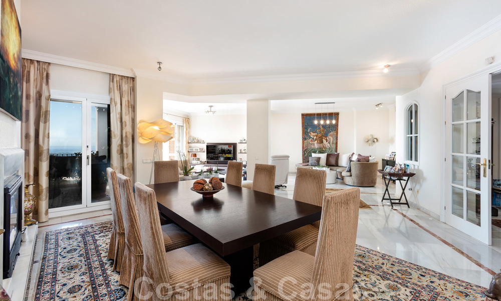 Impressive south facing penthouse with stunning sea views for sale in the Golf Valley of Nueva Andalucia, Marbella 22088