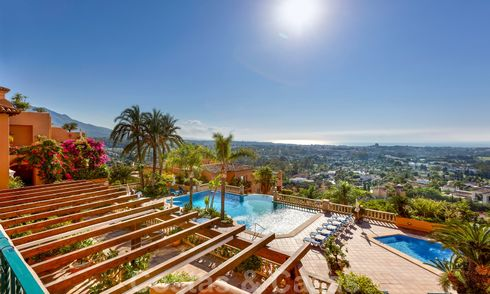 Impressive south facing penthouse with stunning sea views for sale in the Golf Valley of Nueva Andalucia, Marbella 22094