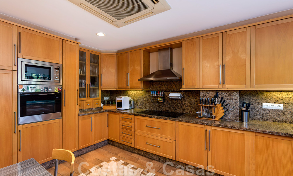 Impressive south facing penthouse with stunning sea views for sale in the Golf Valley of Nueva Andalucia, Marbella 22097