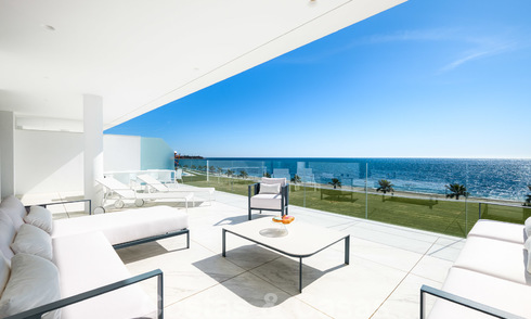 Private resale! Ultra deluxe avant garde beach front apartment for sale in an exclusive complex on the New Golden Mile, Marbella - Estepona 22047