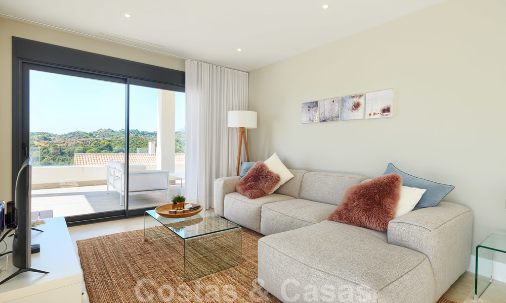 Bright and spacious middle floor apartment with an enormous terrace for sale on the New Golden Mile, Marbella - Estepona 22120