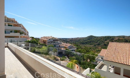 Bright and spacious middle floor apartment with an enormous terrace for sale on the New Golden Mile, Marbella - Estepona 22126