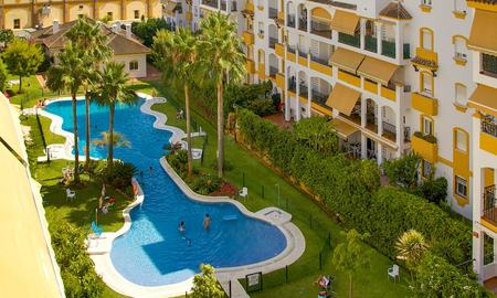 Cosy penthouse with sea views for sale, walking distance to amenities and beach, Golden Mile, Marbella 22318